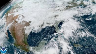 "Foto de La tormenta tropical ""Zeta"" se mueve hacia la península de Yucatán"