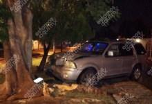 Foto de Camioneta Lincoln se estampa en Chuminopolis