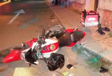 """Foto de Se estrellan """"Rappi"""" contra colectivo, dos repartidores lesionados"""