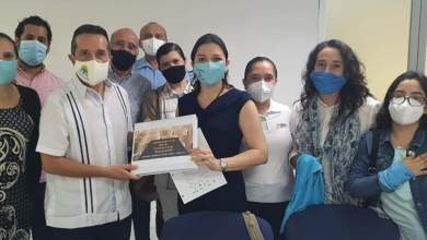 """Foto de Gobernador de Quintana Roo se reúne con grupos """"provida"""". Diócesis difunde el encuentro"""