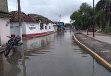Foto de Aguas del río comienzan a inundar calles y colonias de Palizada