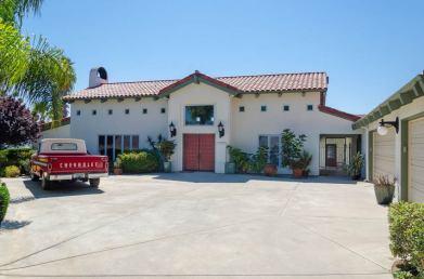 vineyard-estate-front-2