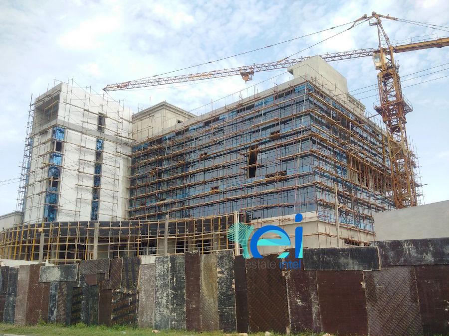 June 2017. Development: Twin Waters Entertainment Centre, Lekki Phase 1 (Right), Lagos