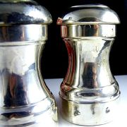 Leonard Salt n Pepper Shakers