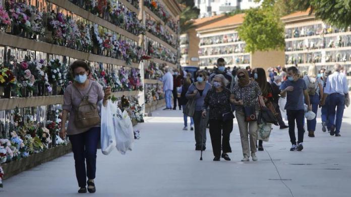 El INE eleva a 45.684 los muertos por Covid hasta mayo, 18.557 más que  Sanidad - Levante-EMV