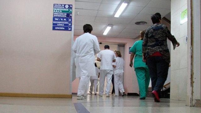 Un enfermero firma en Galicia una media de veinticuatro contratos por año