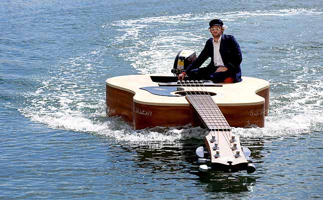 Nou model de barca exclusiu per a guitarristes ;o)