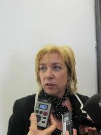 Serrat asegura que la educación pública en Aragón