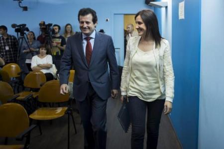 La portavoz del Consell, junto al vicepresidente José Císcar.