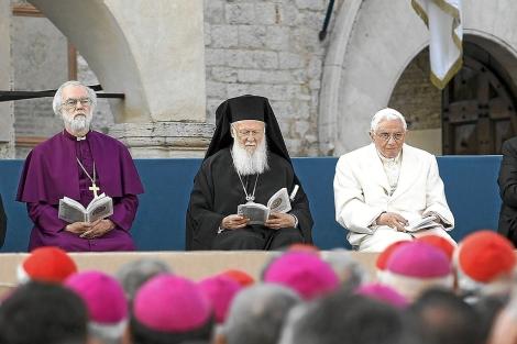 El Papa crea la silla de Pedro para anglicanos que quieran unirse al catolicismo  Mundo  elmundoes