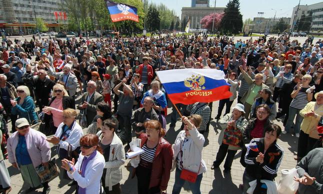 Manifestantes prorrusos, en Donetsk.