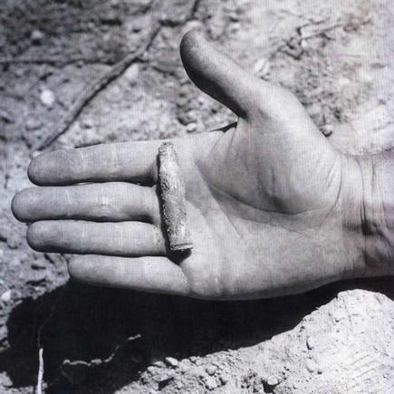 Una de las imágenes de la exhumación documentada por Francesc Torres en el 2007.FRANCESC TORRES