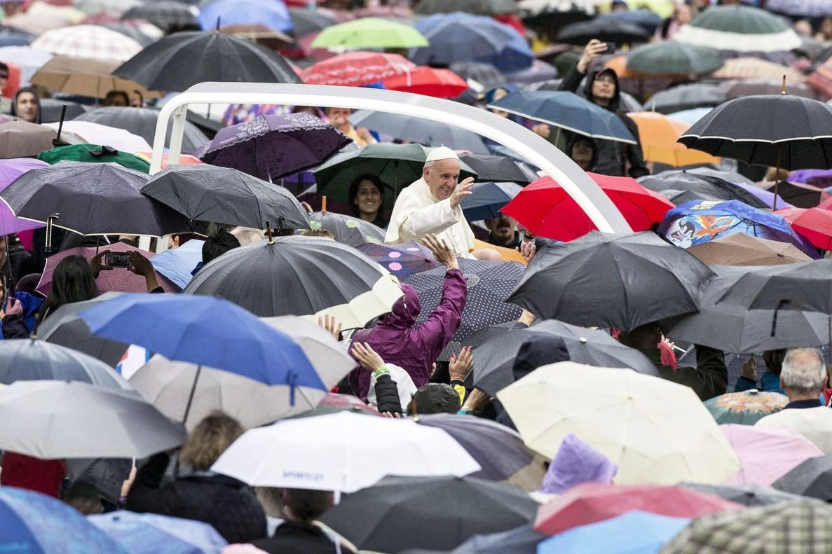 El Vaticano empieza a debatir si las mujeres pueden ser diáconas