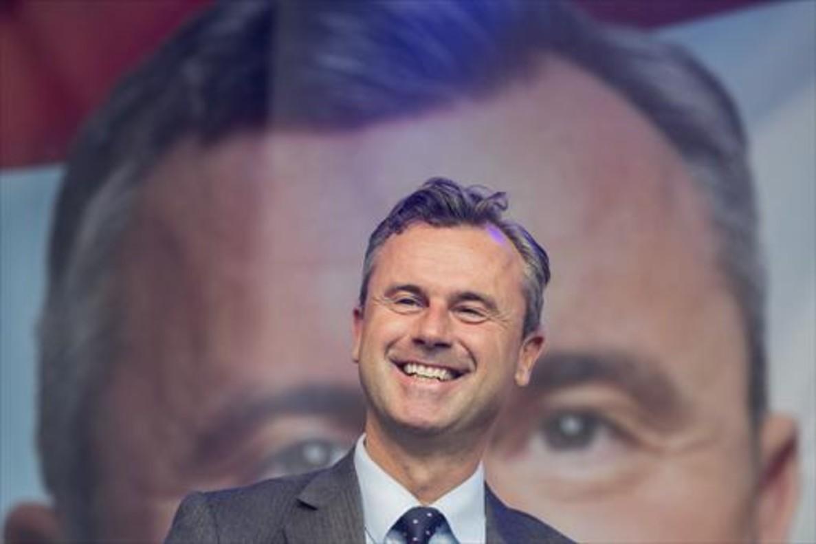 La ultraderecha gana en las urnas en Austria aunque el voto por correo decidirá el presidente