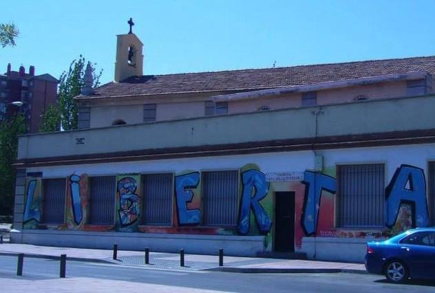 La parroquia San Carlos Borromeo pide a Fernández Díaz que le envíe a los extranjeros que salten la valla