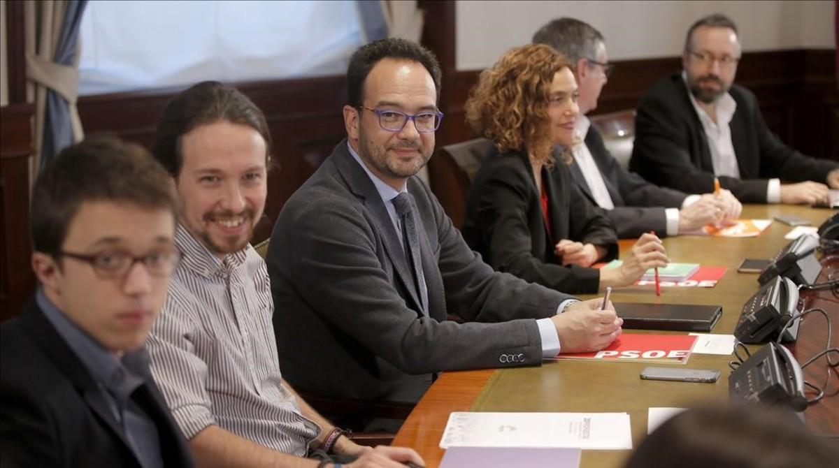 Podemos y Ciudadanos muestran al PSOE que el acuerdo a tres es casi imposible