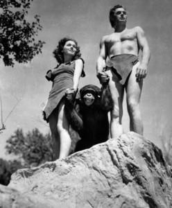 La mona Chita junto a Johnny Weissmuller y Maureen O'Sullivan.