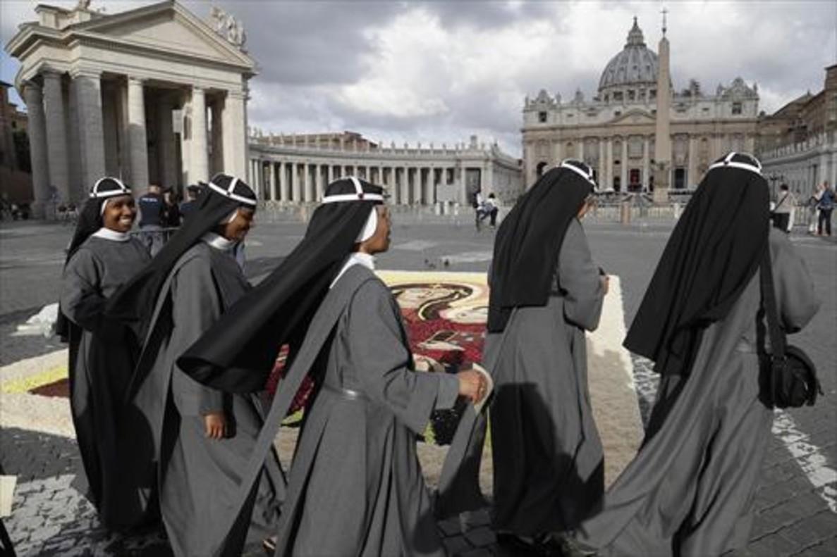 CLERICAL La población religiosa del Vaticano asciende a 543 personas.