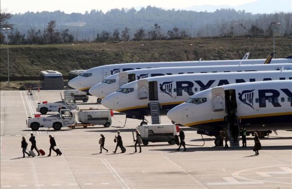 Ryanair reduce el precio de facturación de maletas