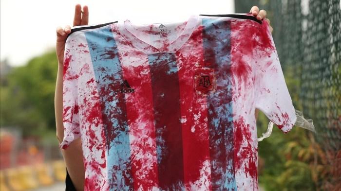 Resultado de imagen para camiseta argentina sangre