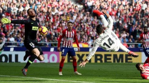 Resultado de imagen de casemiro gol atleti