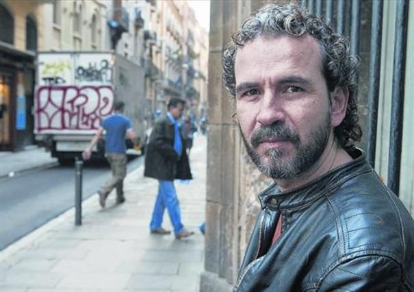 El actor Willy Toledo posa durante una visita a Barcelona, en marzo del 2006.