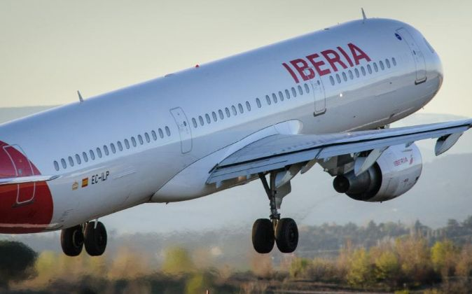 Avión de Iberia en el Aeropuerto de Barajas