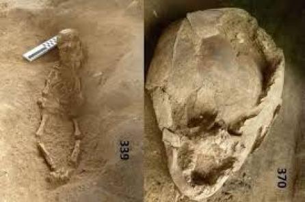 Cráneos de niños usados como cascos para bebés