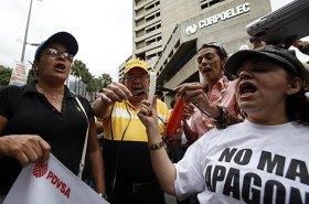 Protesta en Caracas contra los apagones y las restricciones. | Efe