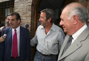 Eduardo Frei (izq.), con el vicepresidente argentino Julio Cobos y el ex presidente Lagos (dcha.), en Mendoza. | Afp