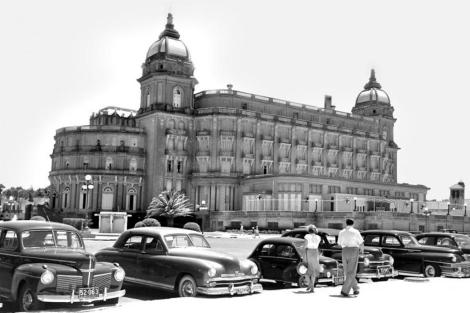 El Hotel Carrasco en 1952. | Centro de Fotografía [MÁS IMÁGENES]