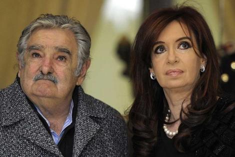 José Mújica y Cristina Fernández de Kirchner, en la Casa Rosada en 2011. | Afp