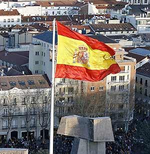Bandera de España en la madrileña Plaza de Colón. (Foto: Begoña Rivas)