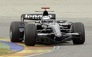 El piloto Nico Rosberg a los mandos de su Williams en Cheste. (Foto: AFP)