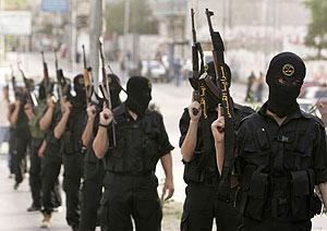 Una marcha de miembros de una yihad islámica. (Foto: REUTERS)