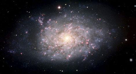 La galaxia espiral NGC 7793, captada por el telescopio VLT del ESO en Chile.   Efe