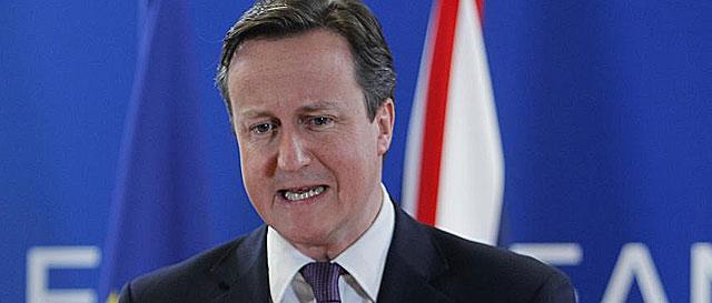 David Cameron, durante la rueda de prensa de anoche en Bruselas. | Ap
