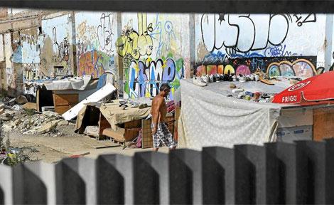 Campamento en la calle Pamplona de Barcelona. | Santi Cogolludo