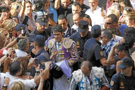 José Tomás, a su llegada a la plaza de Valencia el 23 de julio de 2011. | V. Bosch