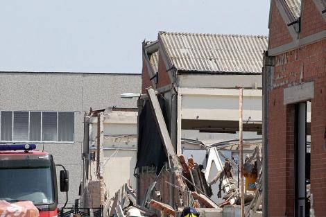 Naves derrumbadas por el terremoto en la localidad emiliana de San Felice Sul Panaro. | Efe