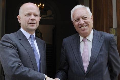 Hague ha recibido a Margallo este martes en Londres.| Efe