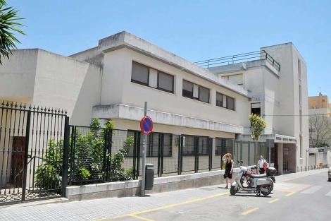 La residencia que gestionan las Carmelitas de la Caridad en San Fernando. | C. Zambrano
