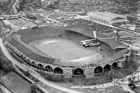 El estadio de Wembley, durante la final de la F A Cup en 1935. | © English Heritage