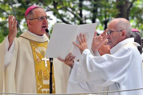 El cardenal de La Rochelle-Saintes celebra el día de la Asunción. | AFP
