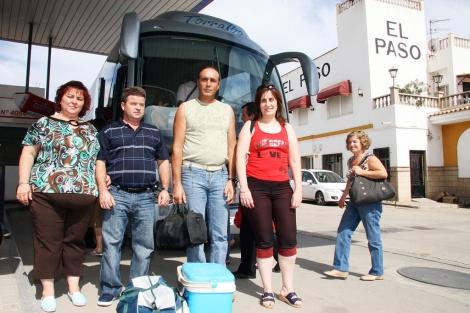Vendimiadores de Jaén, el pasado año, antes de viajar a Francia para la vendimia. | El Mundo