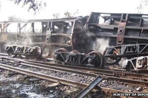 Imagen del tren descarrilado al Norte de Birmania.   Ministerio de Información de Birmania