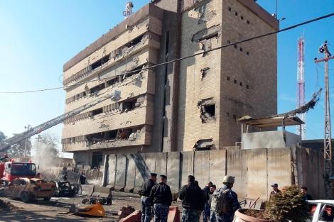 Lugar del atentado con coche bomba, en Kirkuk. | Afp