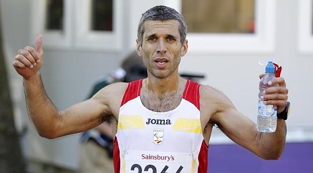 Alberto Suárez celebra su oro en los Juegos de Londres. FOTO: RAMON NAVARRO