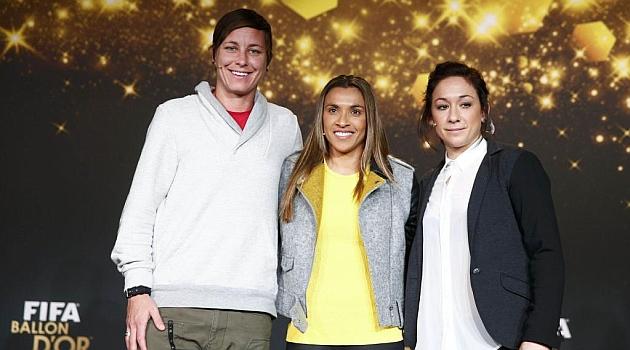 Abby Wambach, Marta da Silva y Nadine Kesller en la Gala del Balón de oro 2014 / RTRPIX