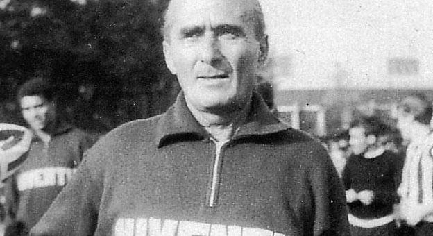 Eraldo Monzeglio durante su etapa como entrenador de la Juventus
